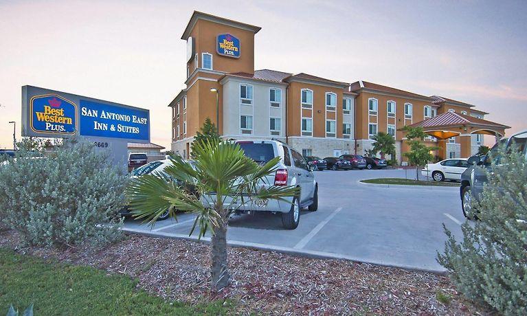Best Western Plus San Antonio East Inn Suites